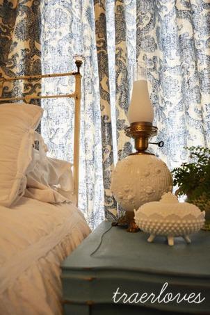 bedroomsneakpeak